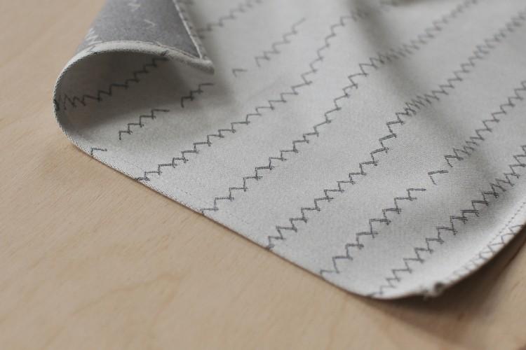 Handkerchief: ZICKZACK, grey