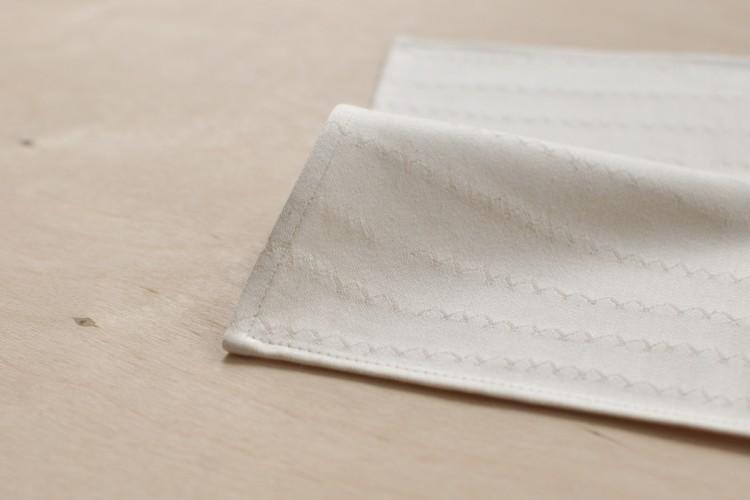 Handkerchief: ZICKZACK, natural white