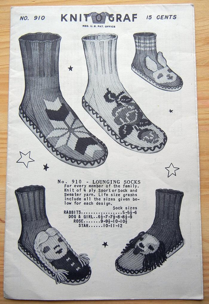 bastisRIKE: slippers socks shoes; image source: etsy shop 'CollectingCorner'