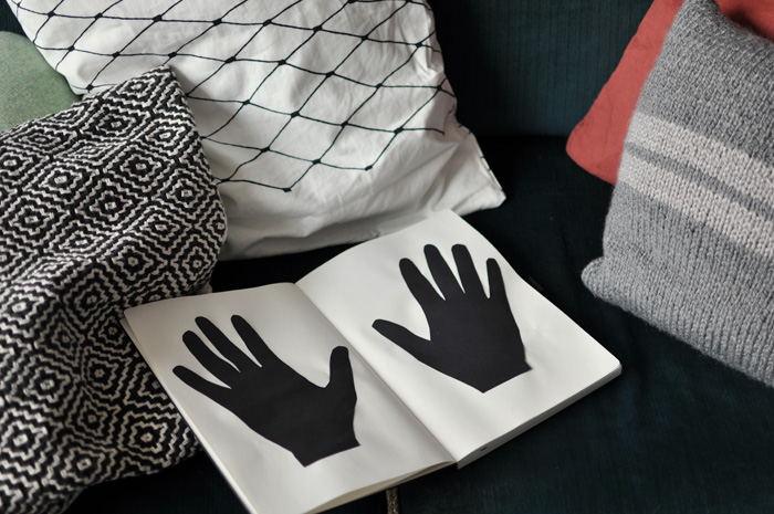 bastisRIKE: his paper hand