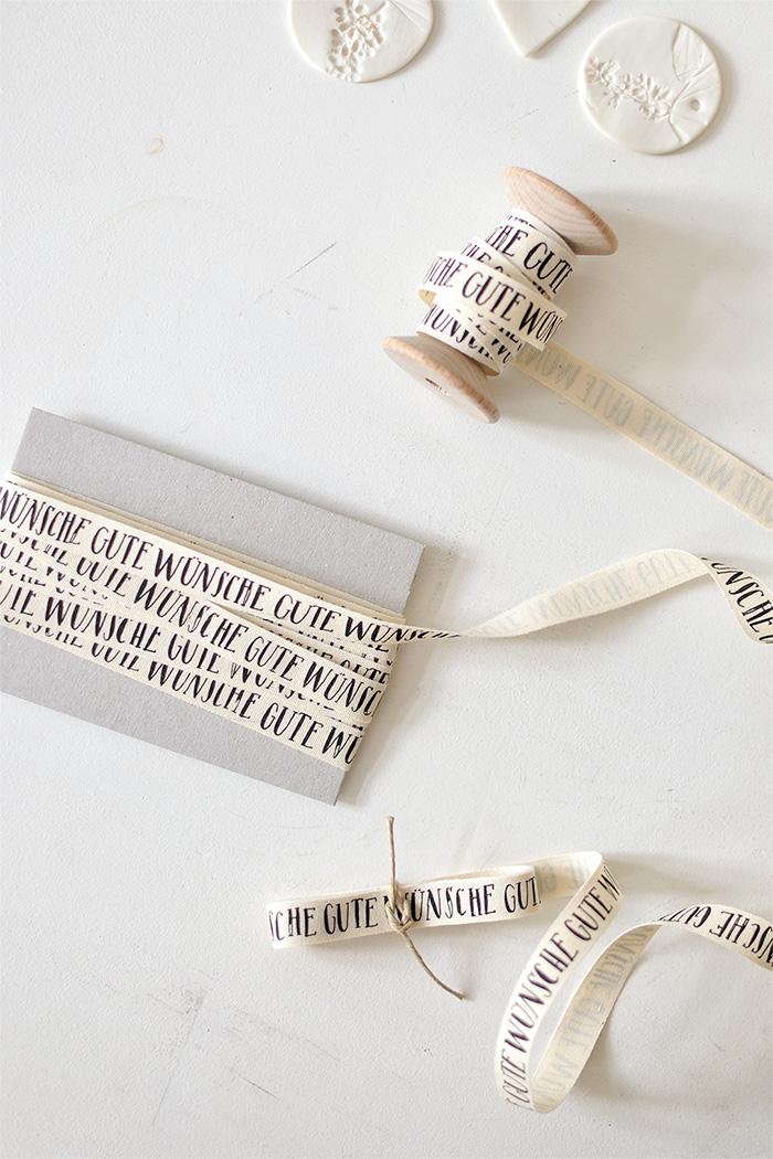 bastisRIKEs Typo Geschenkband: GUTE WÜNSCHE